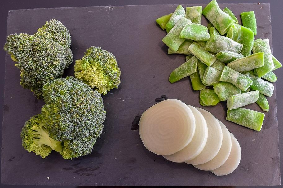 Brócoli, cebolla y judía verde congelada.